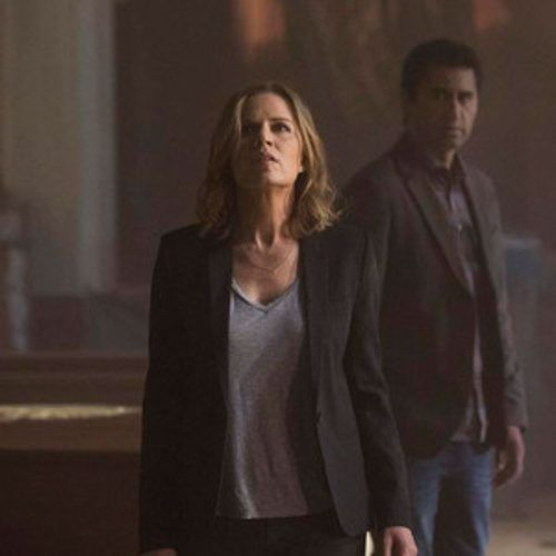 http://www.eonline.com/news/674502/fear-the-walking-dead-trailer-and-premiere-date-revealed-see-how-society-crumbles