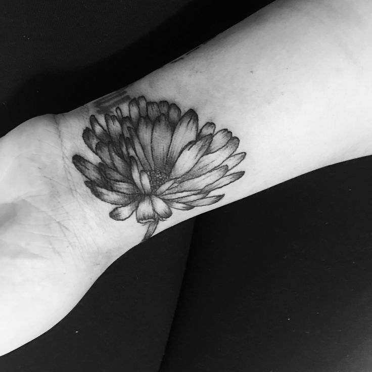 Calendula flower tattoo for the month of October @mrs_gudiel on IG