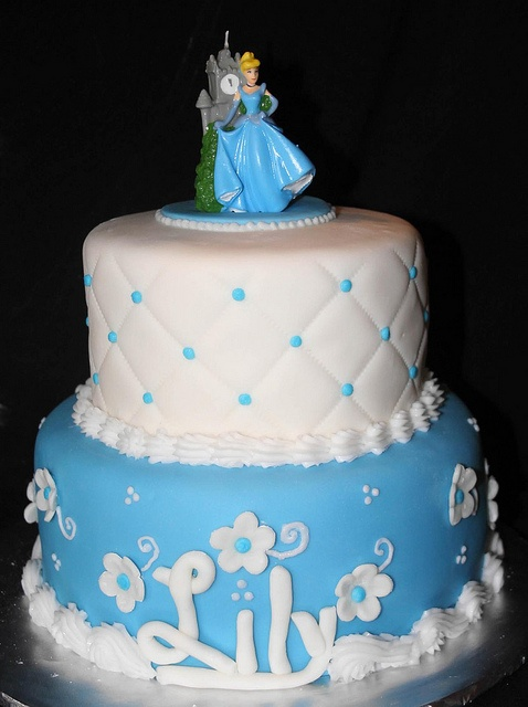 cinderella wedding cake images cinderella cake izzy would it birthday 12861