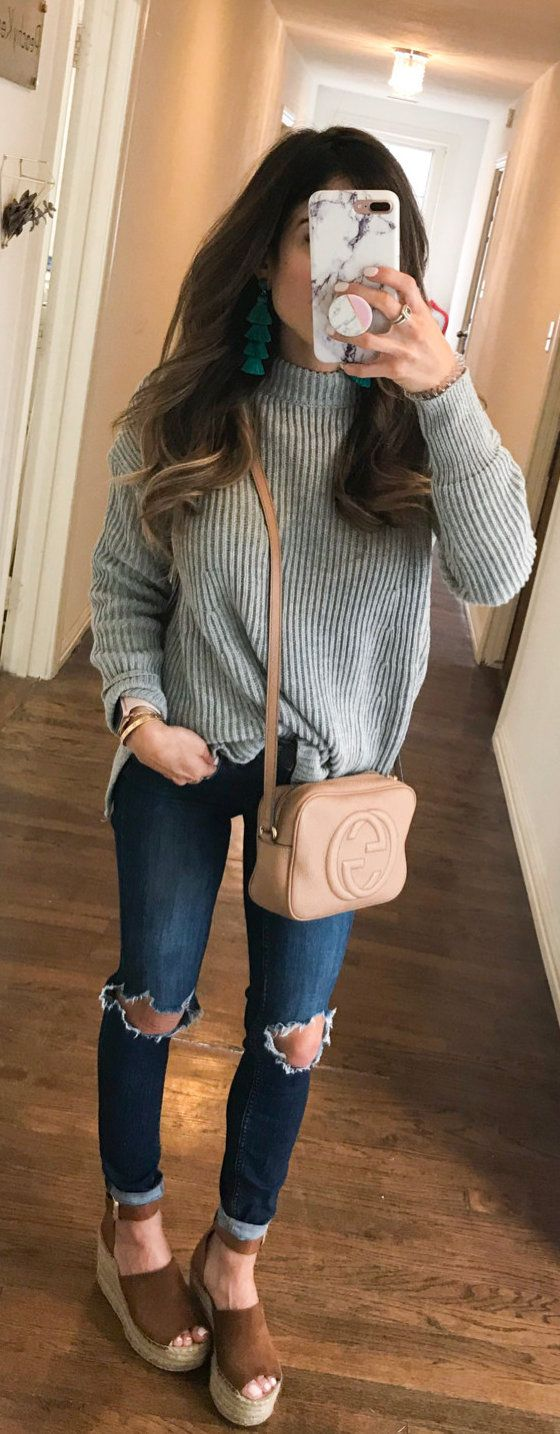 #spring #outfits woman wearing gray rib knitted sweater, distressed jeans, and wedge shoes outfit. Pic by @alexis.belbel