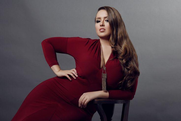 Models, Posts and York on Pinterest Viktoria Manas