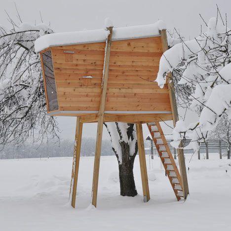 self-supporting tree house in Slovenia by Ravnikar Potokar Arhitekturni