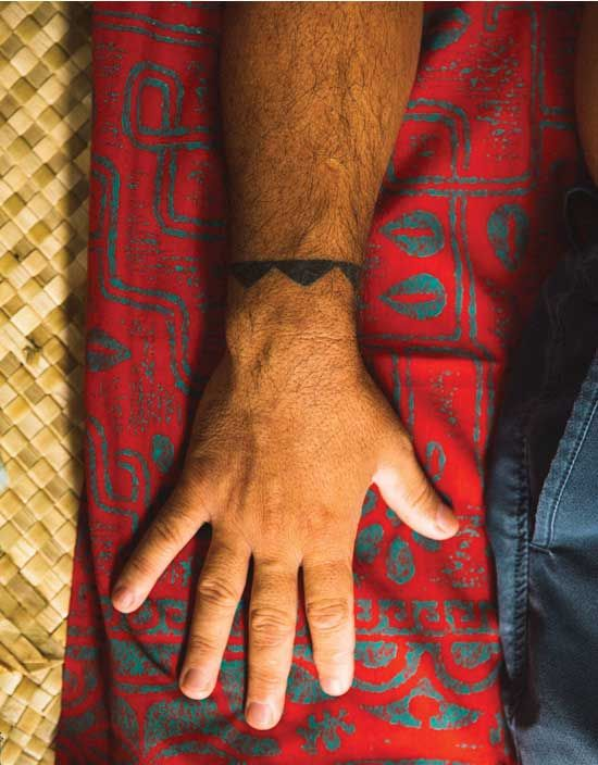 a thousand years of tattoo art Easy henna designs are popular among those who are still new in this type of tattoo although it's not exactly a tattoo, henna or mehndi is a paste that is made of.