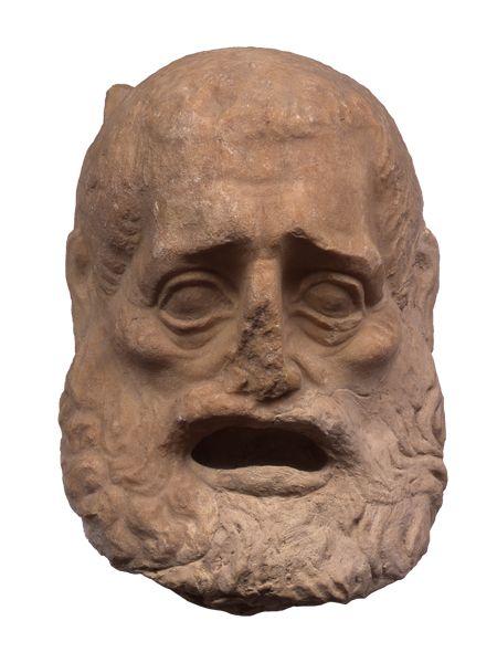 Μαρμάρινο θεατρικό προσωπείο 300-250 π.Χ.  Θεατρικό προσωπείο από πεντελικό μάρμαρο. Βρέθηκε πιθανόν στην Αθήνα. Παριστάνει έναν γέροντα, ίσως τον «πρώτον πάππον» της Νέας Κωμωδίας, όπως περιγράφεται από τον Ιούλιο Πολυδεύκη. Το μέτωπο είναι ψηλό με μικρή φαλάκρα και τα μαλλιά πολύ κοντά, σχεδόν ξυρισμένα. Τα γένια είναι μακριά, κυματιστά και μαζί με το μουστάκι πλαισιώνουν το ανοιχτό στόμα. Τα φρύδια είναι ελαφρώς ανασηκωμένα, τα μάτια μεγάλα και τα ζυγωματικά διογκωμένα. Ύψος 0,27 μ.