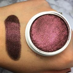 Seriously obsessing over Stereo!!! ❤️ @colourpopcosmetics • • • @colourpopfun @colourpopcult @colourpopcuties #colourpop #colourpopaddict #ilovecolourpop #eyeshadow #swatch #swatches #OMG #makeup #beauty #cosmetics #bbloggers #bblogger #beautyblogger #beautybloggers #hellomissniki #colourpopcosmetics #supershockshadow #stereo #fall #fallcolors #falledit
