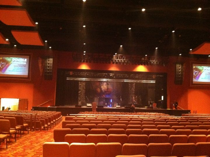 majestic pines hotel casino