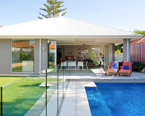 Swimming pool - like the pool fence from Bunnings!