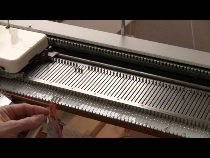 Machine Knitted Twisted Fringe by Diana Sullivan técnica de barbas para bufanda