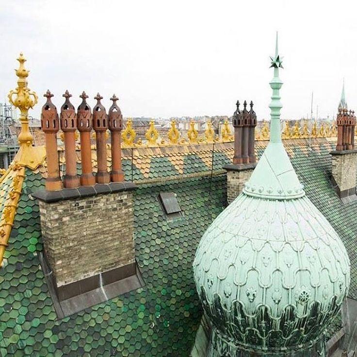 Rooftop beauty #OntheGridBudapest #Ferencváros @BudapestDesignWeek by onthegridcity