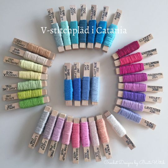 De 35 färgerna jag använt till min v-stitchpläd i Catania.