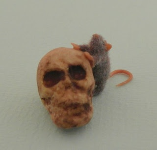 Skull and rat ( Georgia Marfels)