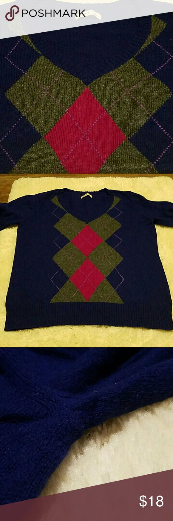 Argyle sweater by Old Navy Slightly used Argyle sweater. Comfortable and clean. No marks, pilling, or holes. Dark purple with grey and deep pink Argyle pattern. Old Navy Sweaters V-Necks