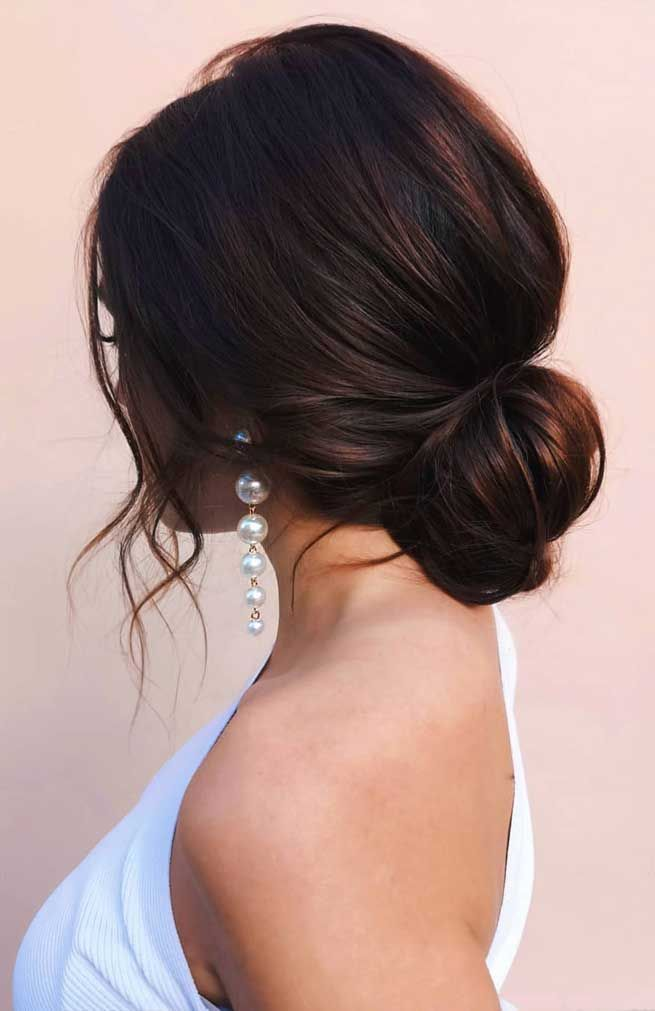 best wedding hairstyles updo , romantic wedding updos, simple bun wedding hairstyles , undone updo hairstyle ,hairstyles for medium length hair, messy updo for wedding, best wedding hairstyles 2019 #weddinghairstyles #bridalupdo bridal hairstyles #hairstyles