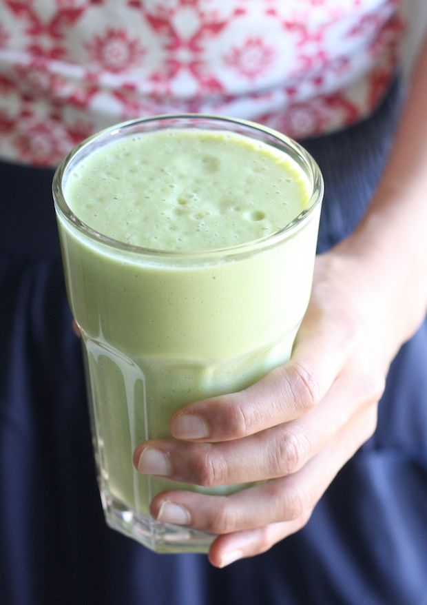 Avocado Matcha Smoothie by SeasonWithSpice.com @seasonwithspice
