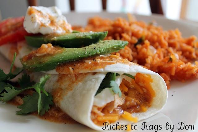 Chicken Enchiladas/ *Riches to Rags* by Dori: Chicken Enchiladas, Crockpot Ideas, Enchiladas Burritos, Crockpot Recipes, Crockpot Chicken, Chicken Enchildada Burritos, Favorite Recipes, Chicken Burritos, Enchiladas Doritos