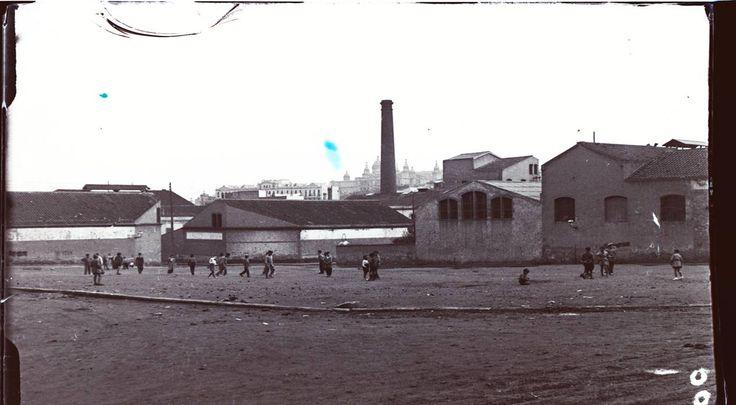 Plaza de la Farga, Fabrica del Coco 1920