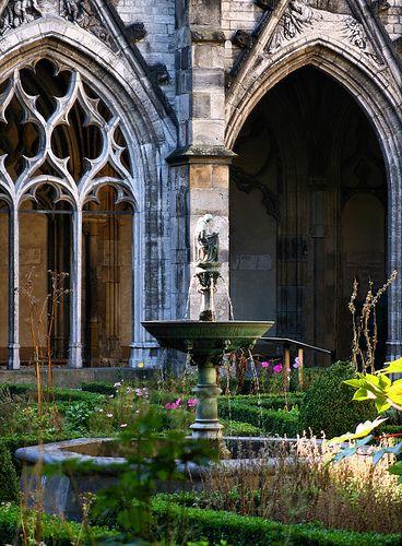 Utrecht -   Dom church courtyard