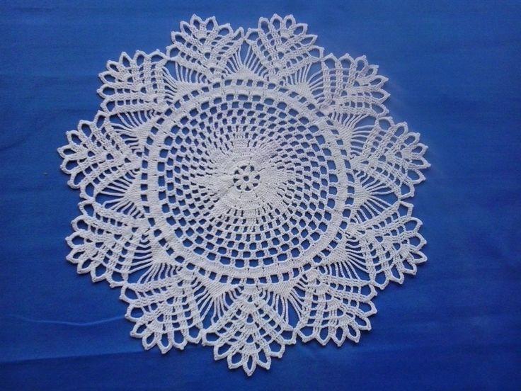 Crochet white doily -centrino bianco all'uncinetto