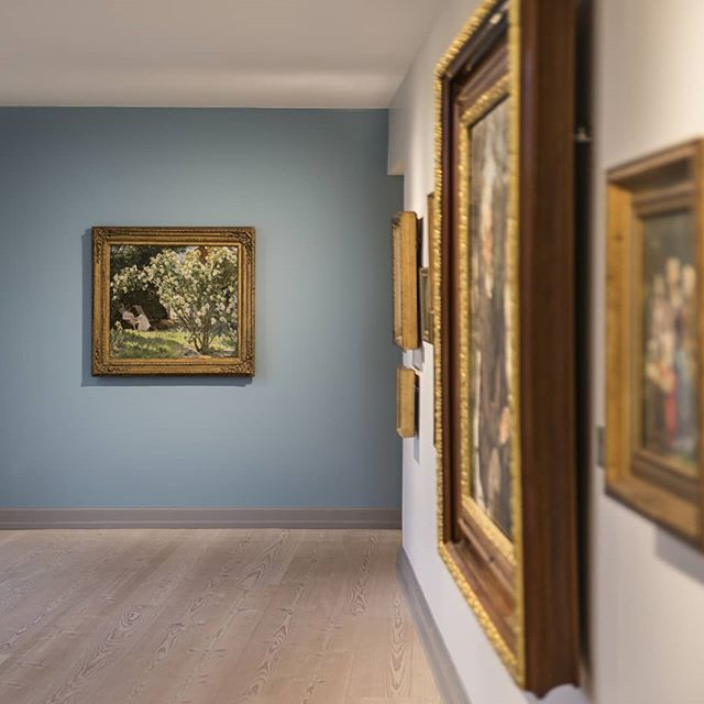 We made a few changes to the collection exhibitions; a couple of works went back into storage another few visitor favorites came back up after a trip abroad #krøyer #skagensmuseum