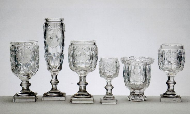 """La cristalería llamada """"De las Virtudes"""" se denominada así por las figuras alegóricas que adornan cada una de lsus piezas. Palacio Real de Madrid"""
