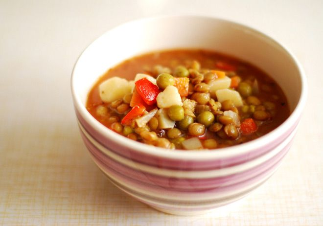 Zupa z soczewicy to świetny pomysł na syty i zdrowy posiłek!
