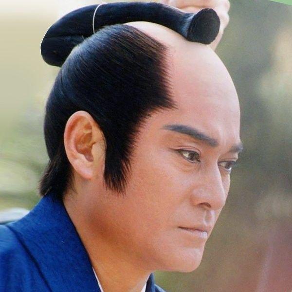 25 Warrior Chonmage Hairstyles For Strong Men Peinados De Hombre Luchador De Sumo Hombres