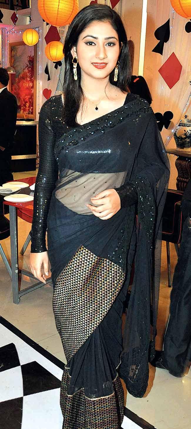 Disha Parmar on sets of 'Pyaar Ka Dard Hai...' #Style #Bollywood #Fashion #Beauty