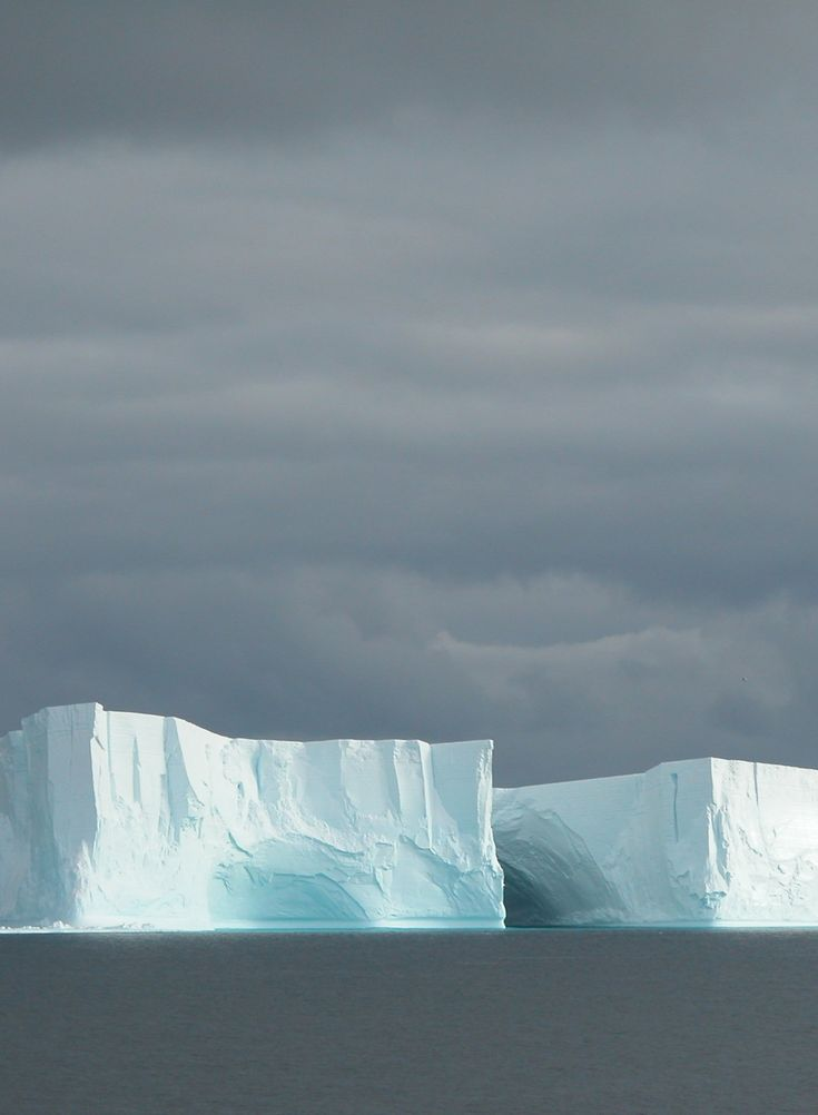 Global warming/ glaciers are melting
