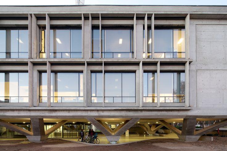 Galería de Edificio ONEMI / Teodoro Fernández Arquitectos - 7