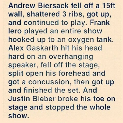 OMFG SERIOUSLY. These guys will do about anything for their fans.... And then there's JB -.-