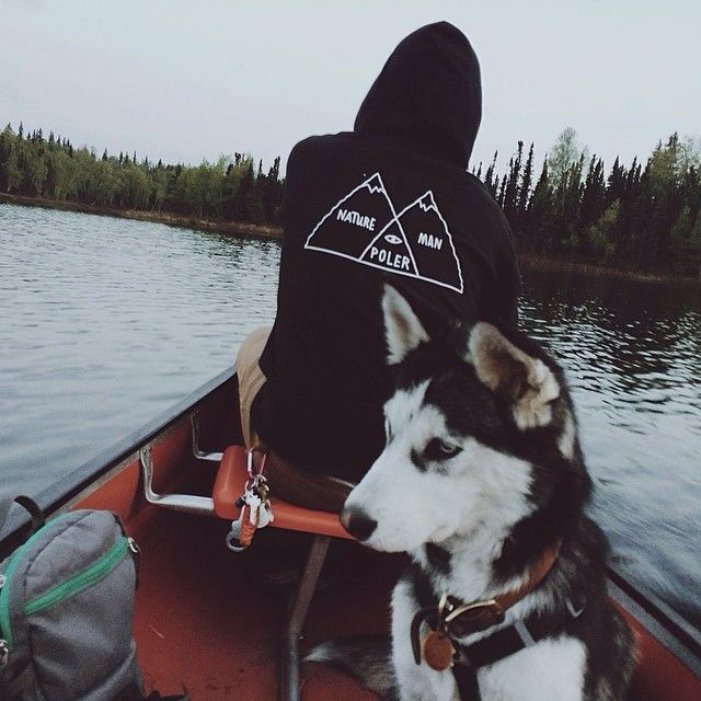 Everything in this picture explains what I want in my life right now. That husky. That hoodie. Outdoor type things and someone to live it with.
