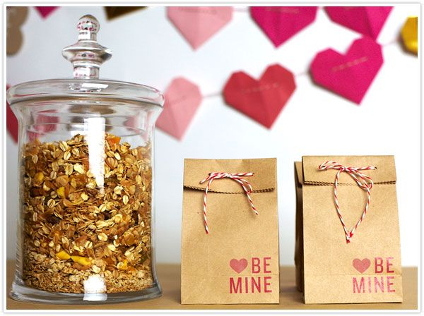 Valentine's Favor Bags: Treats Bags, Gifts Bags, Gifts Ideas, Paper Bags, Valentines Day, Diy Gifts, Favors Bags, Valentines Treats, Power Bag