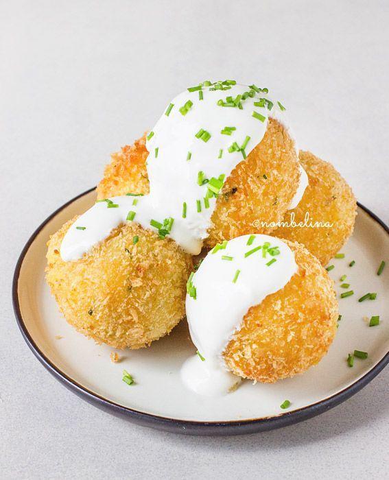 Deze mooie aardappelkroketjes zijn gemaakt met kaas en bieslook en zijn óntzettend lekker! Ze zijn makkelijk om te maken, maar je hebt er wel even wat tijd voor nodig. Je kan eventueel restjes aardappelpuree gebruiken. Wanneer je in …
