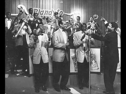 Benny Moré Y Su Banda Gigante - Que Bueno Baila Usted (Son Montuno - Cuba 1940's)