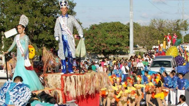 51 comparsas y 16 carros alegóricos en desfile de Carnaval Cancún 2015| UN1ÓN | Cancún