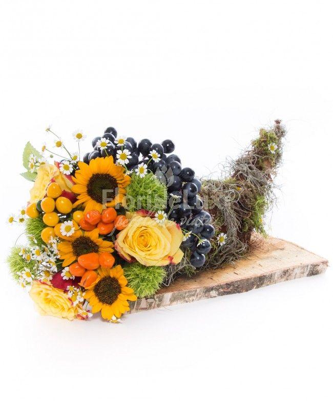 Conul abundentei, plin cu flori solare, trandafiri si un decor special, de toamna!