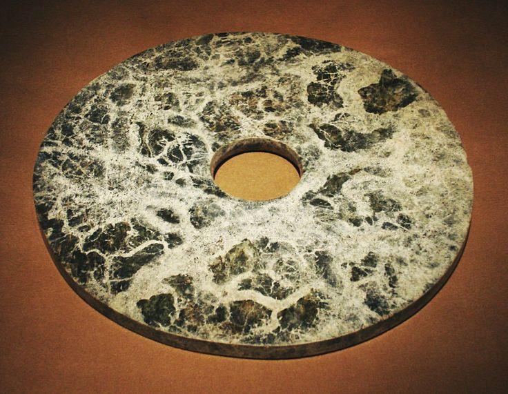 Disco Bi 璧 di giada della cultura di Liangzhu.