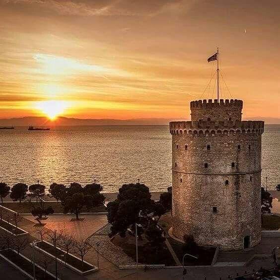 White tower thessaloniki city. Greece