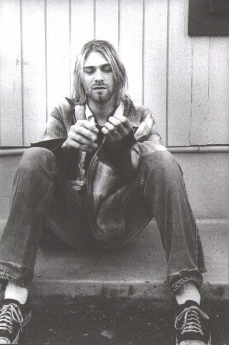 "Kurt Cobain ""Wanting to be someone else is a waste of the person you are."" ❤"
