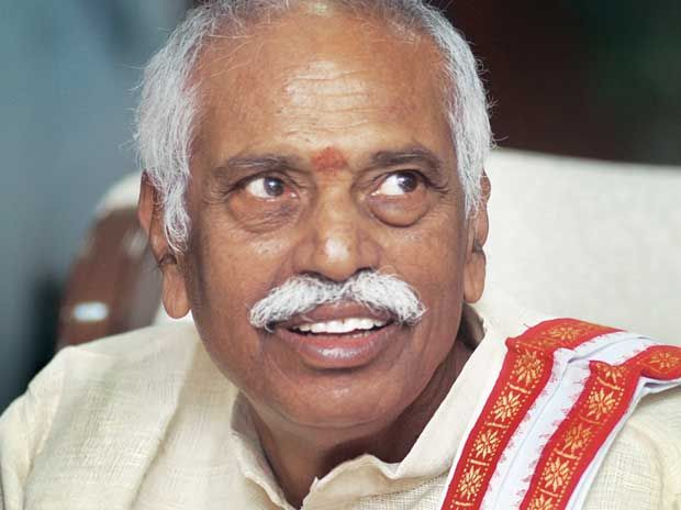 Labour minister Bandaru Dattatreya to leave for Turkey at end of strike day