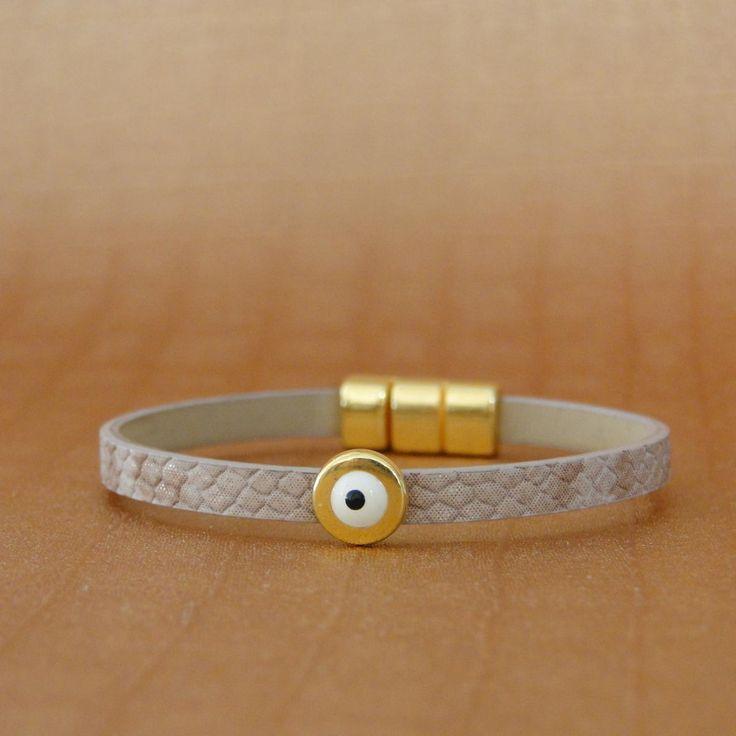Κορδόνι Δερμάτινο Συνθετικό Επίπεδο Φίδι - Χρυσή Επιμετάλλωση - Κούμπωμα Με Μαγνήτη  Μήκος δείγματος 17cm (εφαρμόζει σε καρπό 13,5 εως 14,5 cm)