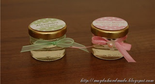 Jars of honey - gifts for christening.