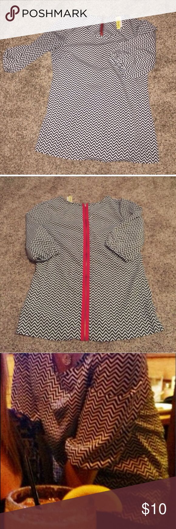 *Final Price* Black and White Chevron Top size S/M Super cute black and white chevron top with zipper detail on the back. Like new condition. I purchased on Poshmark but it is just a little too big. I am listing for the exact same price I paid for it. Tops Blouses