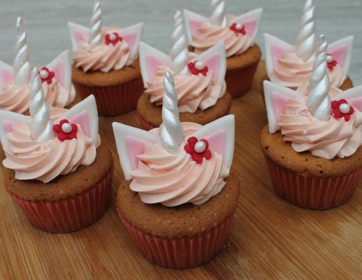 Unicorn cupcakes by Anse De Gijnst