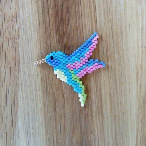 Petit colibri #brickstitch #lebrickstitch #miyuki #miyukiaddict #jenfiledesperlesetjassume #colibri #lili_azalee