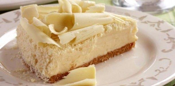 Um SONHO de torta!!! Não precisa de forno, então é super prática e a mousse de chocolate é divina! Você pode optar por colocar em copinhos e fazer verrines de...