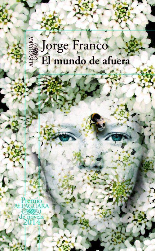 Isolda vive encerrada en un castillo extraño y fascinante al mismo tiempo, tan ajeno a la ciudad de Medellín en la que se sitúa como singulares son sus habitantes y la vida que llevan. La atmósfera de irrealidad que se respira resulta opresiva para la adolescente, que encuentra en el bosque que lo rodea la única tregua posible a su soledad.