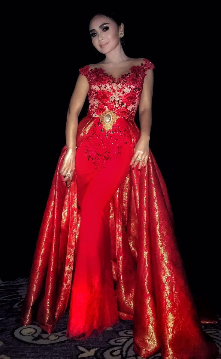 Margalena couture for Yunishara