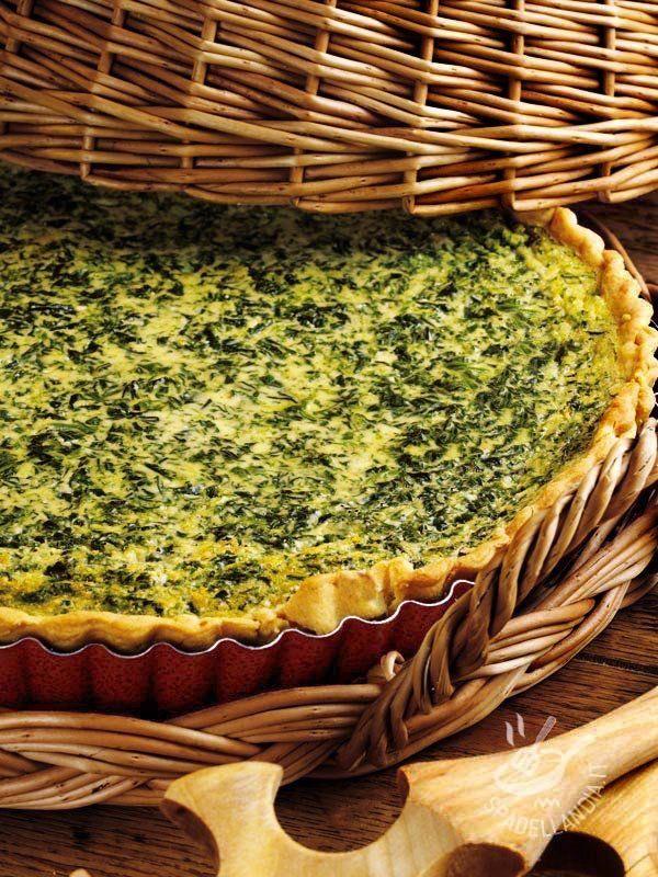 La Torta di spinaci e ricotta è molto versatile: se non amate gli spinaci sostituiteli con la bietola. Potrete poi aggiungere del prosciutto cotto! #tortasalataspinaci #tortasalataricotta