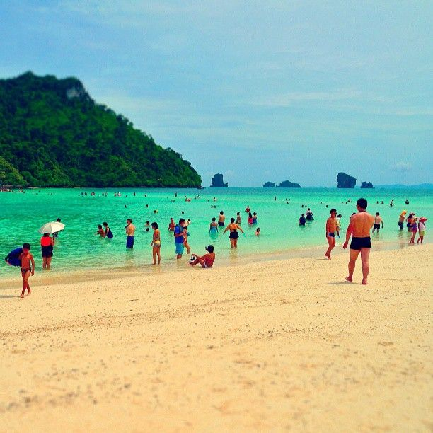 rendam dan jemur. #aonang #beach #krabi #thailand #minilife #miniature #instatravel - nunutngombe @ Instagram Web Interface - 5th village